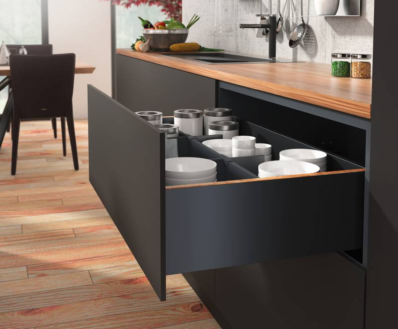 "High cost efficiency thanks to the platform: ""AvanTech YOU"" permits the use of one drawer on two different runners – with the same cabinet body drilling pattern. Photo: Hettich"