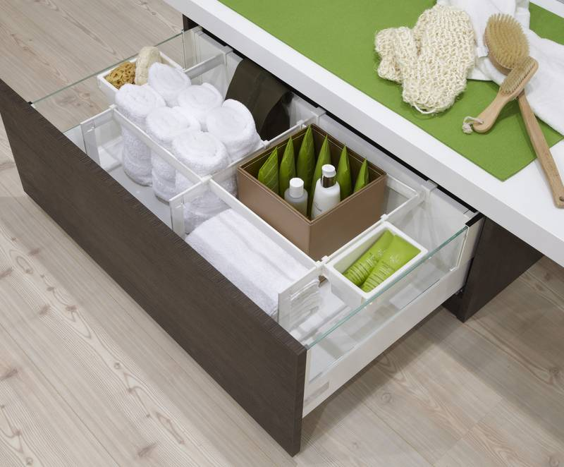 InnoTech interior organisation for bathroom drawers – immediately showing where everything is. Photo: Hettich