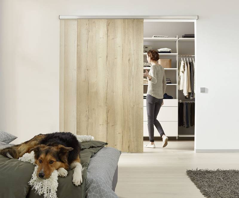 Closes very heavy doors in complete silence: The first soft stop system for doors weighing up to 325 lbs. Photo: Hettich